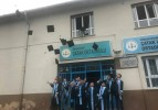 Çatak Okulunda, öğrenciler mezuniyet etkinliği yaptılar.